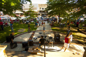 Summer Music on the Courthouse Lawn