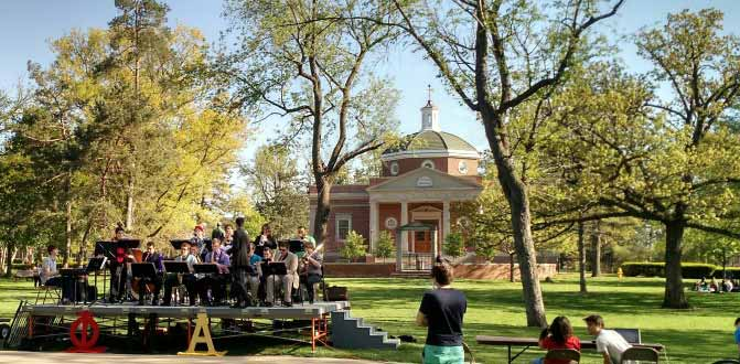 Jazz band playing on the Quad