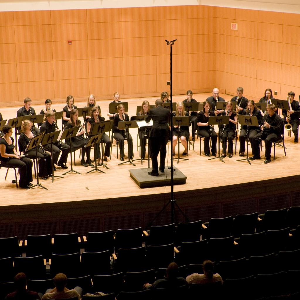 Truman Clarinet Choir premiering The Shaman Speaks by Vivian Fung (2009)
